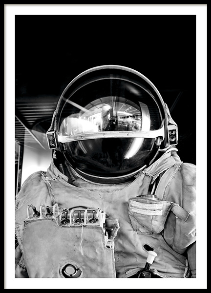 Black and White Astronaut Poster in der Gruppe Poster / Fotografien bei Desenio AB (11166)