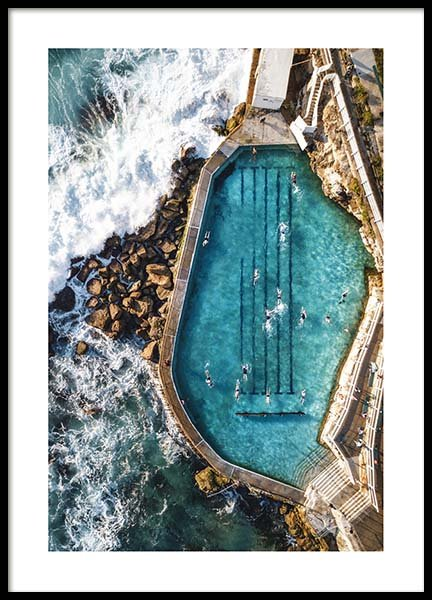 Bronte Swimming Pool Poster in der Gruppe Poster / Naturmotive bei Desenio AB (3584)