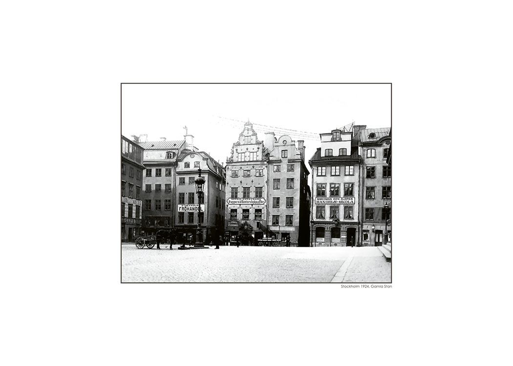 poster mit einem schwarz wei foto von gamla stan stockholm. Black Bedroom Furniture Sets. Home Design Ideas