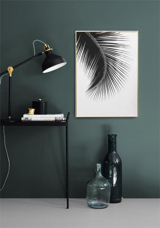 poster mit einem schwarz wei foto f r die inneneinrichtung stilvolles poster mit palmenblatt. Black Bedroom Furniture Sets. Home Design Ideas