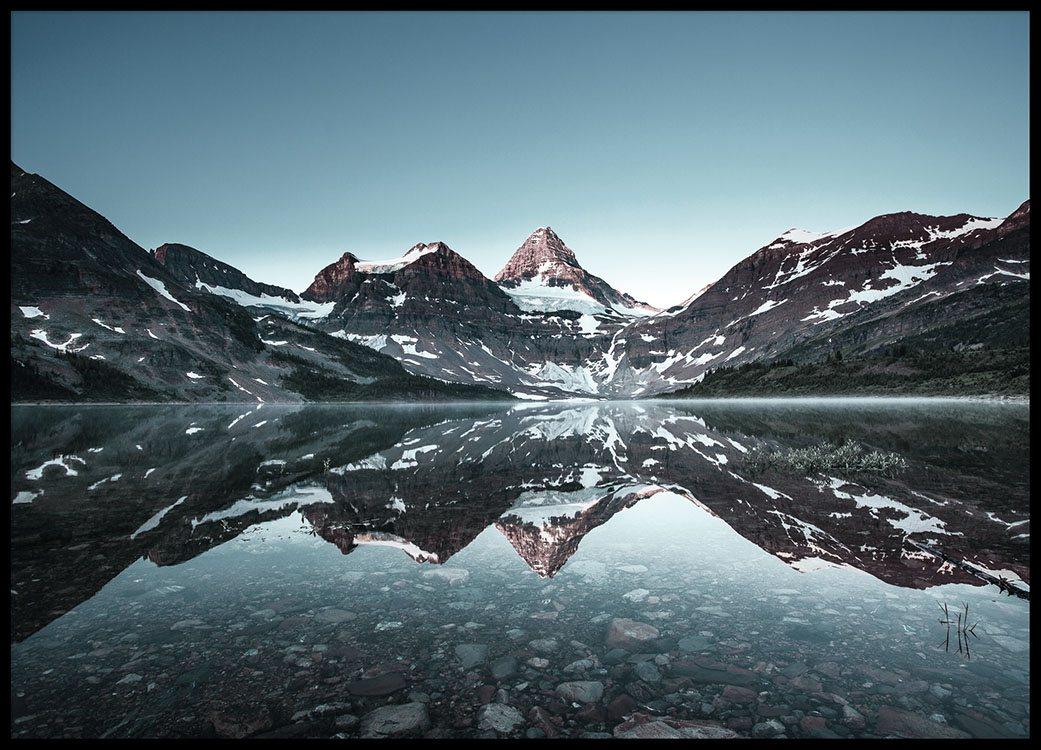 Plakat mit Naturfotografie, Berge und Schnee  Fotokunst   Desenio
