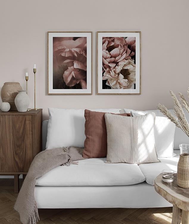 Poster mit rosa Blumen fürs Schlafzimmer - Desenio.de
